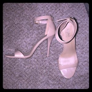 Mossimo Nude patent dress sandals